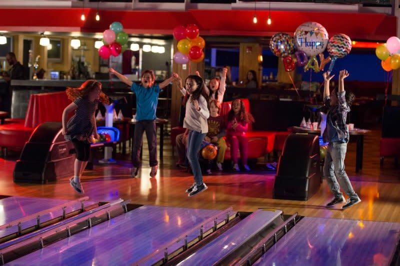 brunswick_zone_kids_bowling__wysiwyg