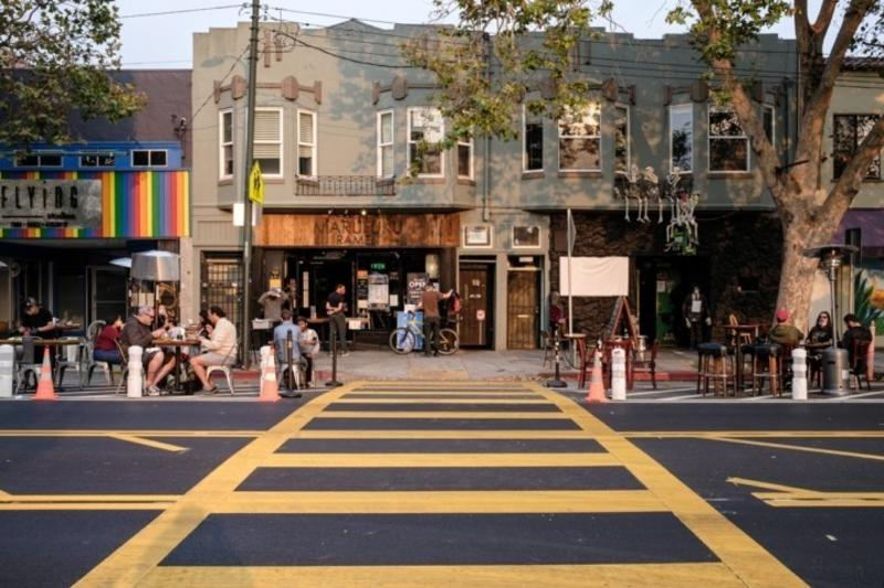 Outdoor Dining in Temescal
