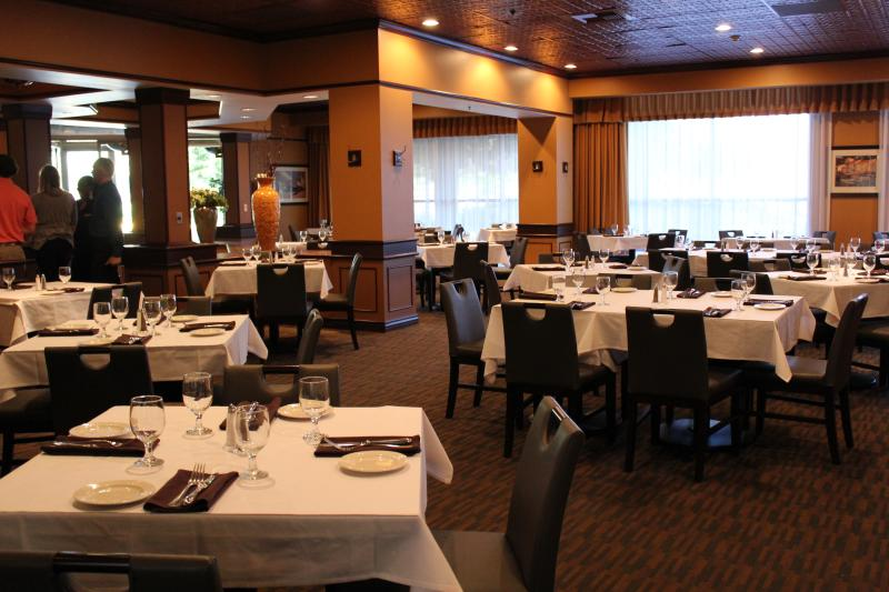 Dining Room of Basil's Kitchen at Embassy Suites in Tukwila