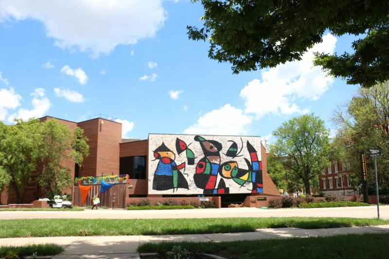 Personnages Oiseaux Mural From a Distance on the WSU Campus