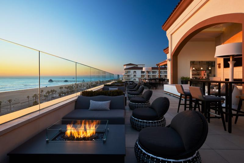 Offshore 9 Rooftop Lounge at Waterfront Beach Resort in Huntington Beach