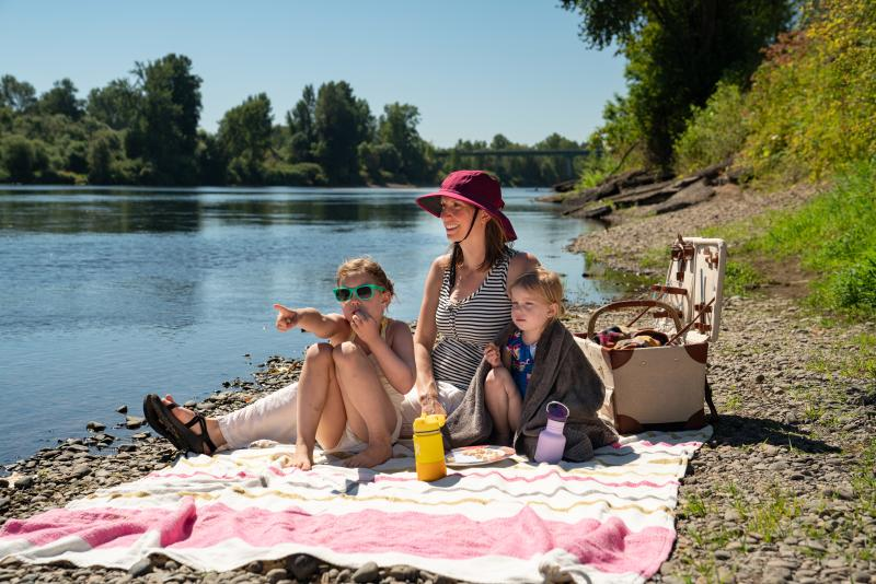 Family Picnic on the Willamette River