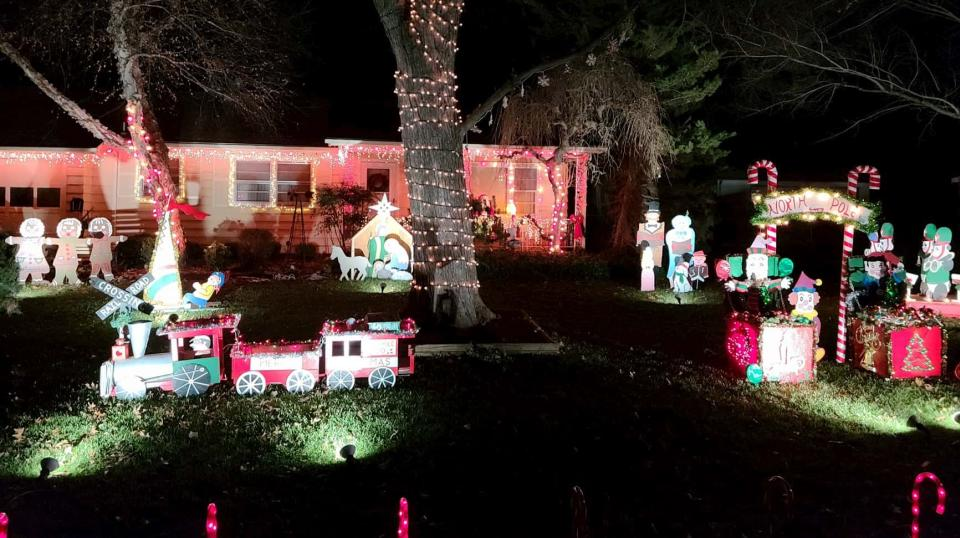 Barnhart Family Christmas Display 2020