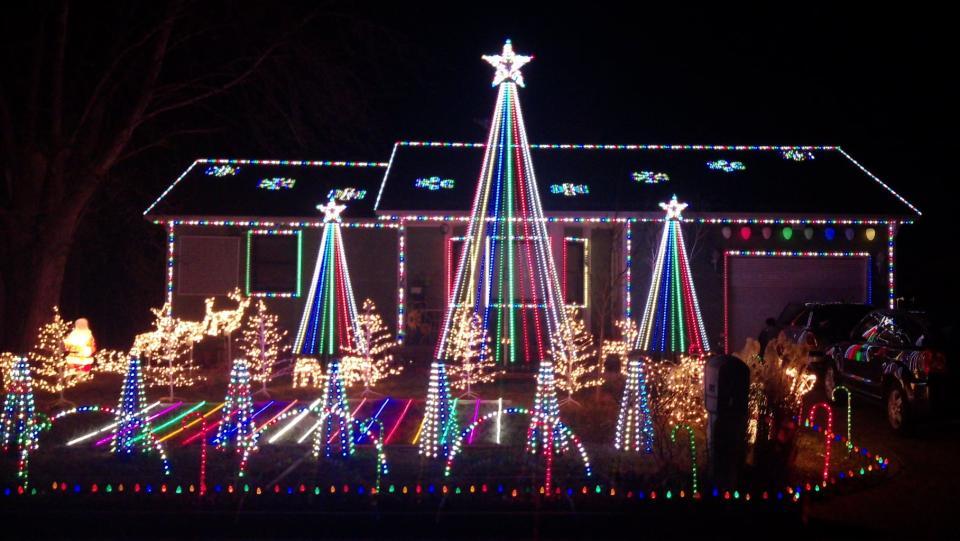 Christmas Lights on Brummet 2019