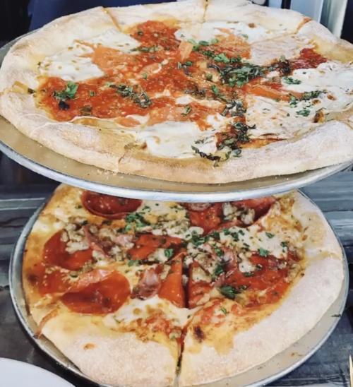 Pi Social 2 Pizzas
