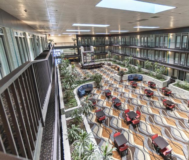 Fifth Season Inn & Suites Lobby