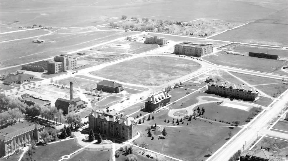 Aerial view of campus in 1930 – UW Athletics Media Relations Archives
