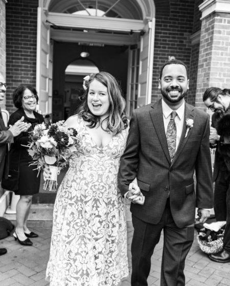 A happy couple elopes at the Annapolis Courthouse