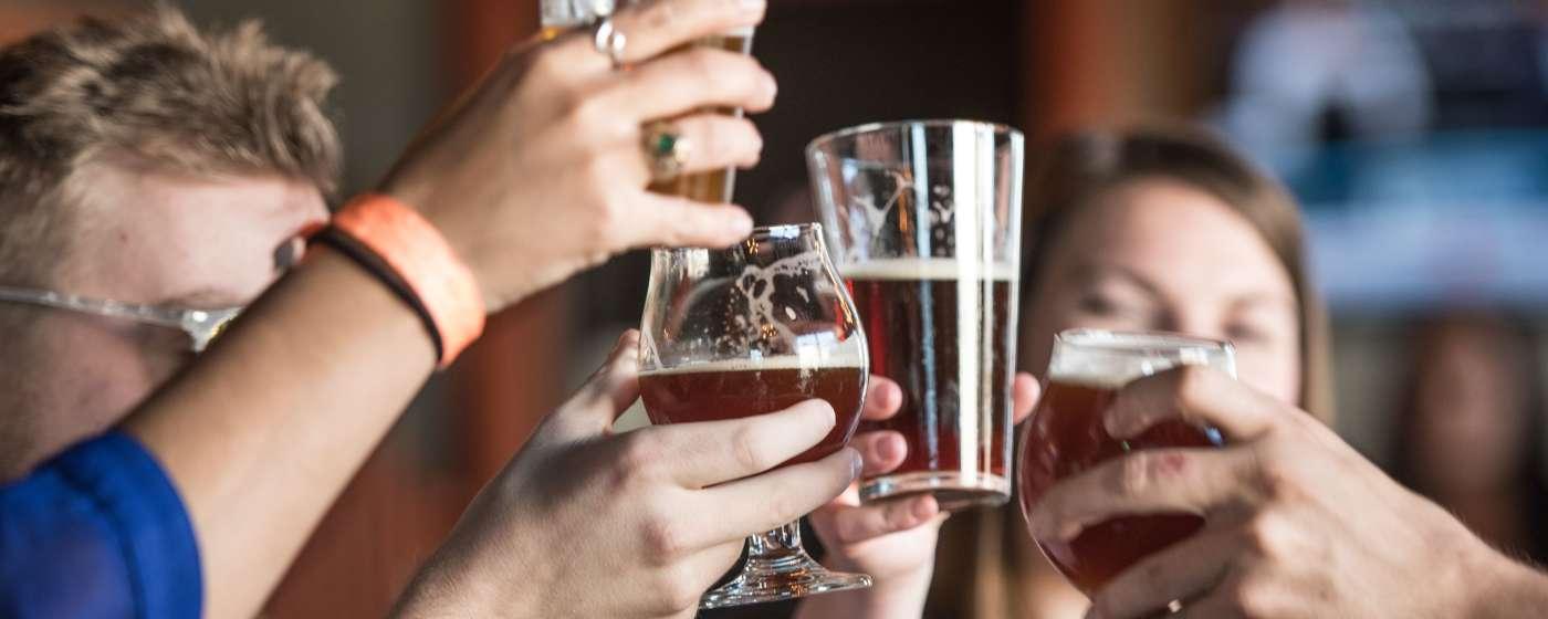 beer_cheers_River_Rat