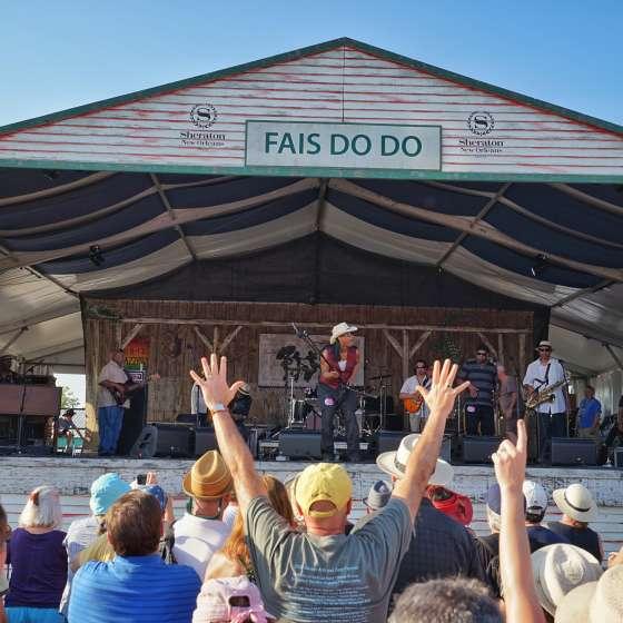 Rockin Dopsie e The Zydeco Twisters - Sheraton New Orleans Fais Do Do Stage - New Orleans Jazz & Heritage Festival 2015