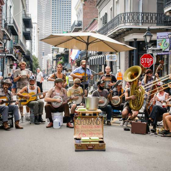 Street performers, music, musicians