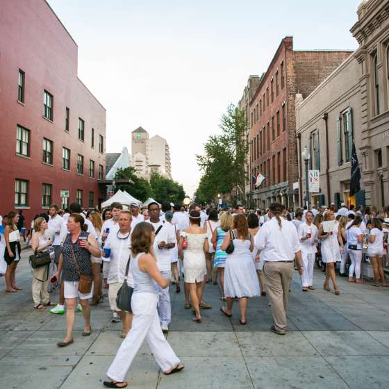 White Linen Night – Julia Street