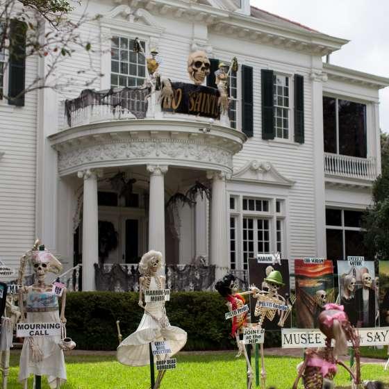 Uptown Halloween Decorations