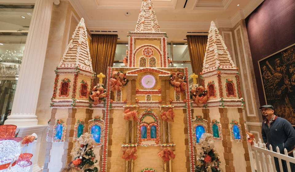 Harrah's Hotel - Christmas Gingerbread House