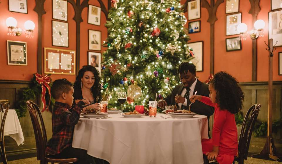 Where To Eat In New Orleans For Christmas Eve 2020 Christmas Holidays in New Orleans | neworleans.com