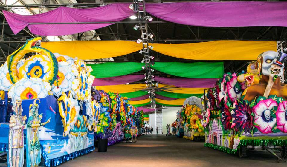 View floats at Mardi Gras World