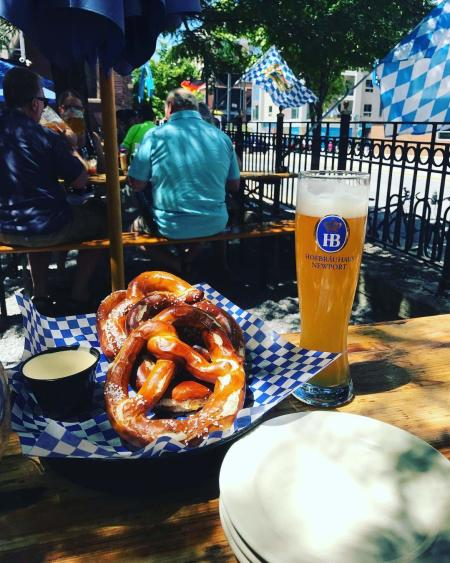 hofbrauhaus bier garten patio pretzel