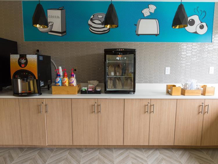 La Quinta Breakfast Room