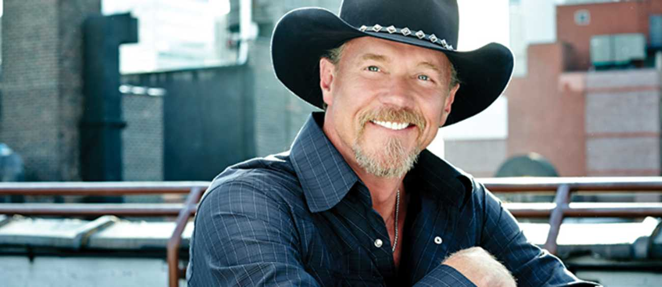 A photo of Trace Adkins