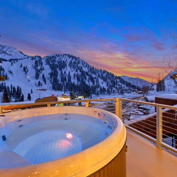 Hot tub with a view at Alta Chalets' PhotoHaus