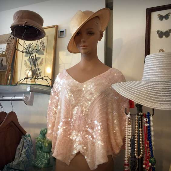 Maeberry Vintage Clothing Shopping Downtown Broadway