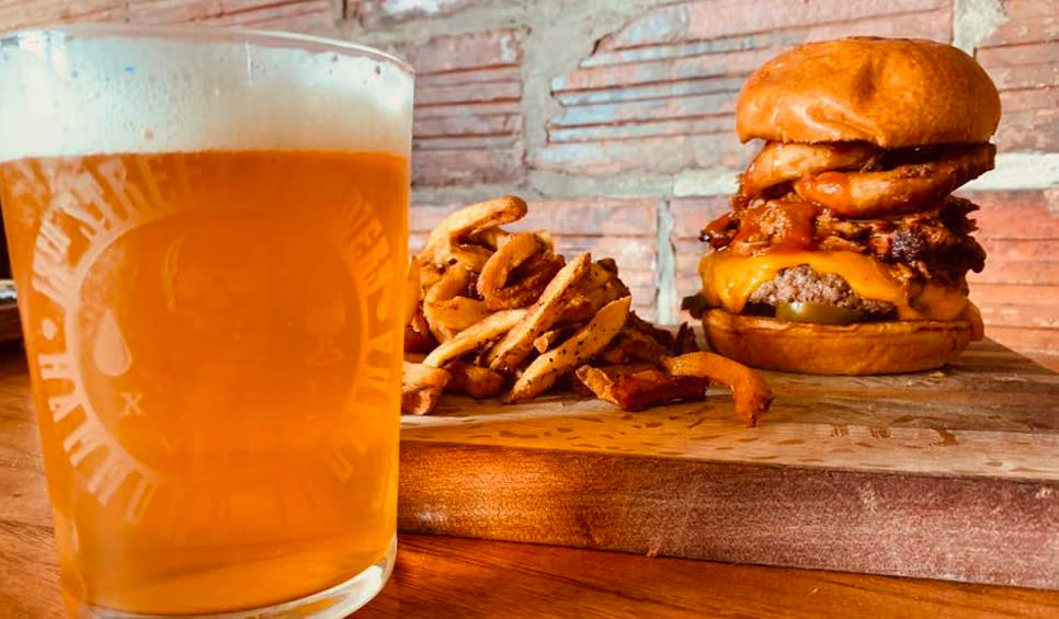 18th Street Brewery in Gary - beer and burger
