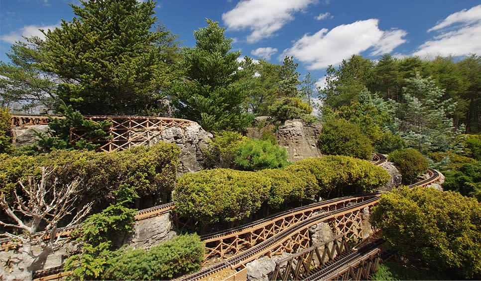Gabis Arboretum Valparaiso - Railway Garden