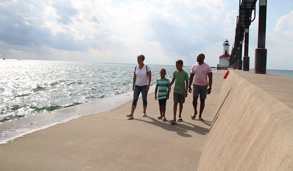 Michigan City family by the Lighthouse