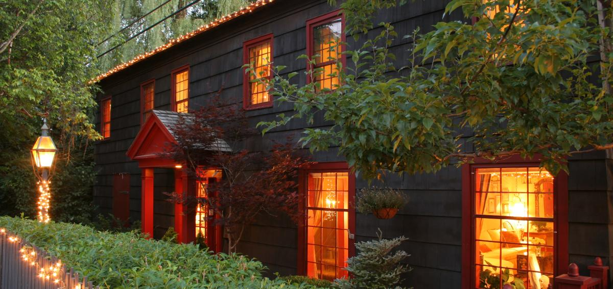 1795 Acorn Inn windows inside light views