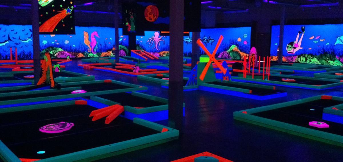 glow-golf-eastview-mall-interior