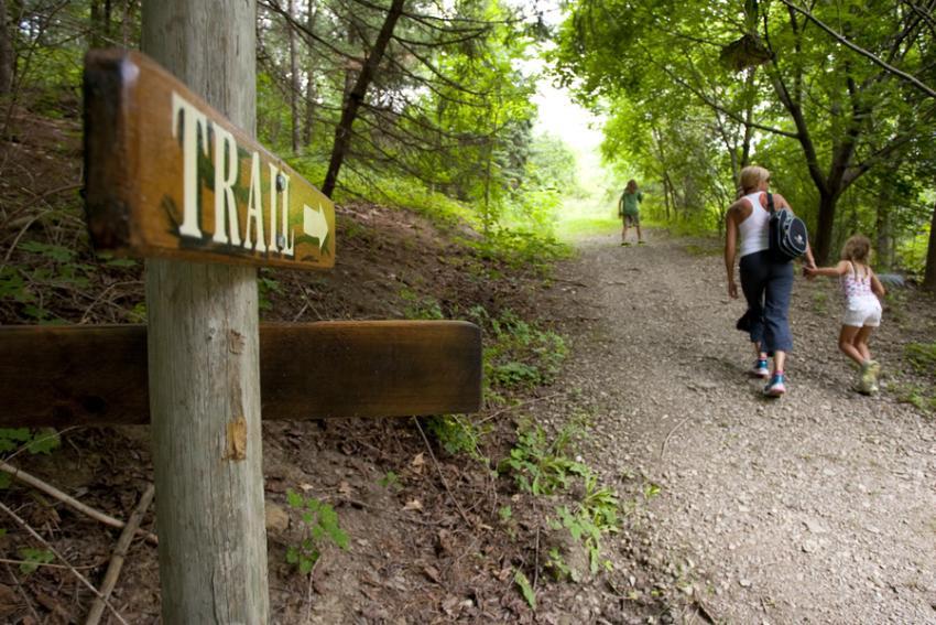 hazlitt-red-cat-cellars-trail