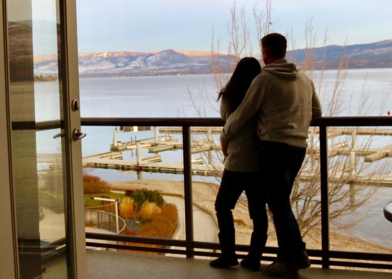 Wesla & Duane at The Cove Lakeside Resort