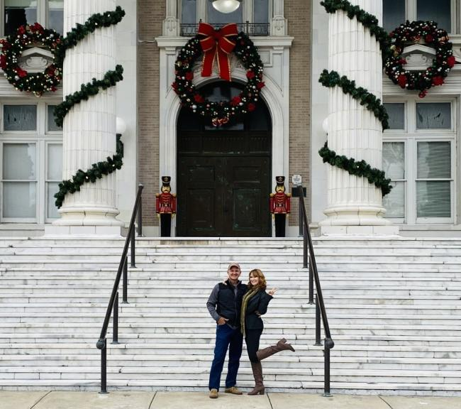 Couple in front of Courthouse