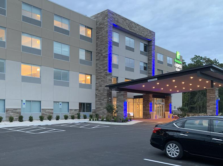 Holiday Inn Express & Suites Wilmington West- Medical Park