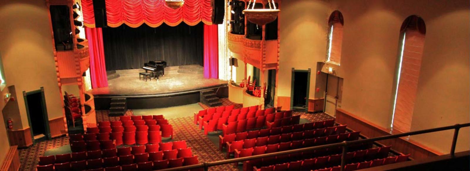 Memorial-Opera-House-Valparaiso