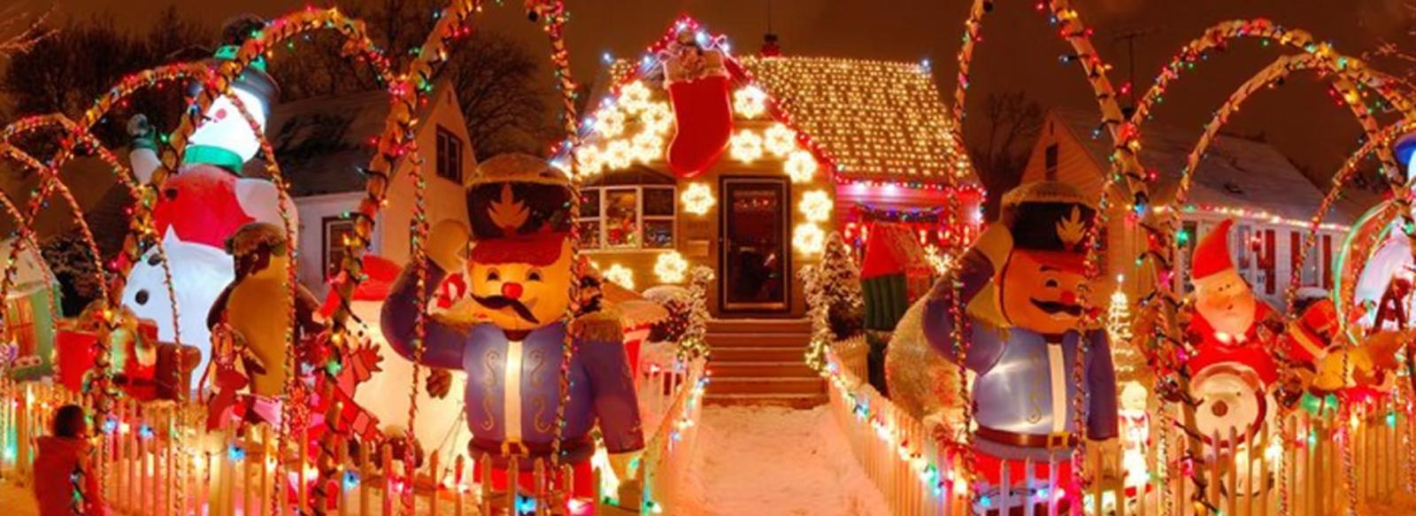 Peteyville-Christmas-Decorations-Hammond-Indiana