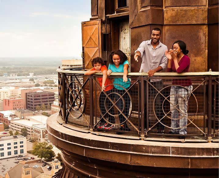 Family at capitol dome - Dome Tour | Topeka, KS