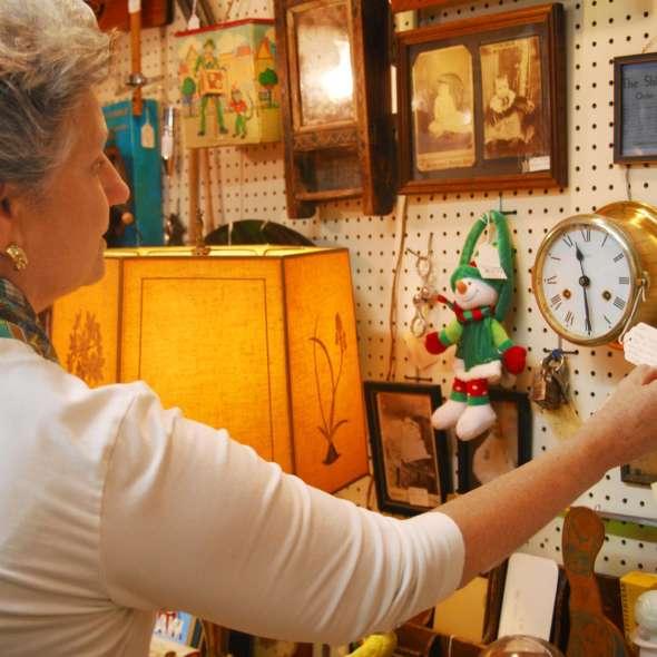 Antiques & Boutiques