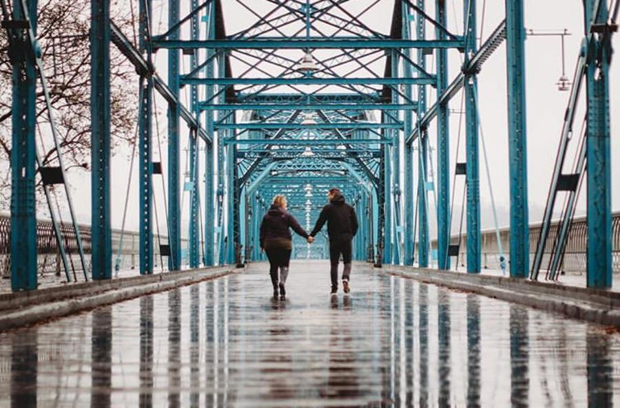 Couple on Walnut Street Bridge_Century Photographs