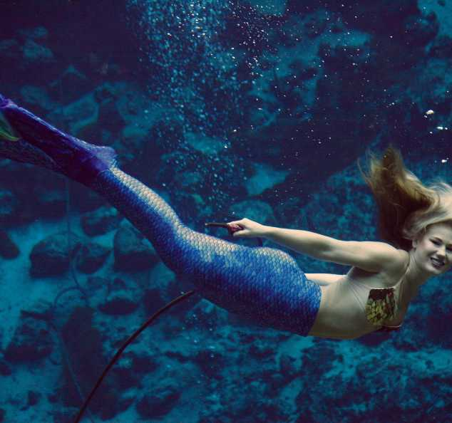 World Famous Weeki Wachee Mermaid