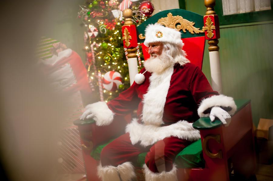Huntsville Earlyworks Santa's Village Santa