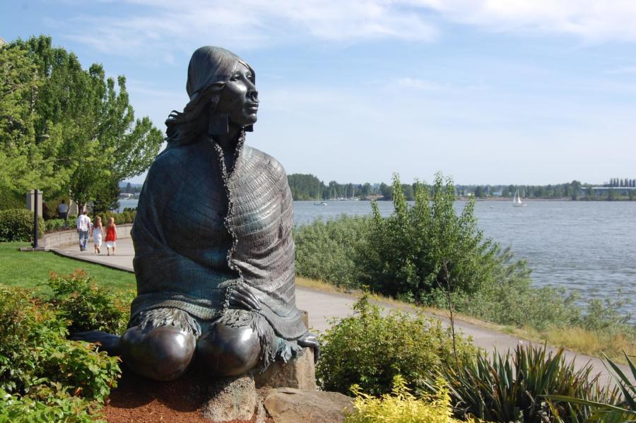 Ilchee Statue