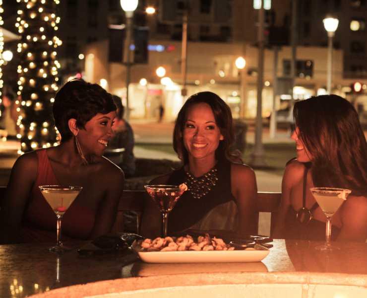 Virginia Beach Nightlife Find Entertainment Bars Breweries