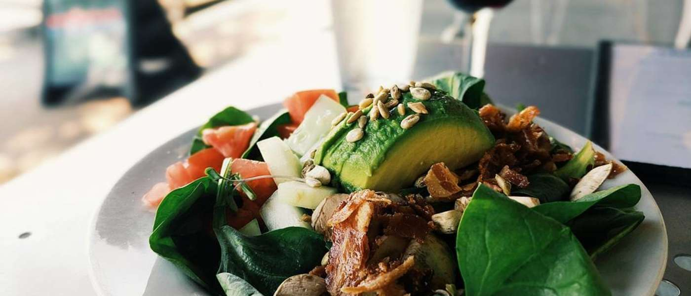 Spinach salad - The Gourmet Shop