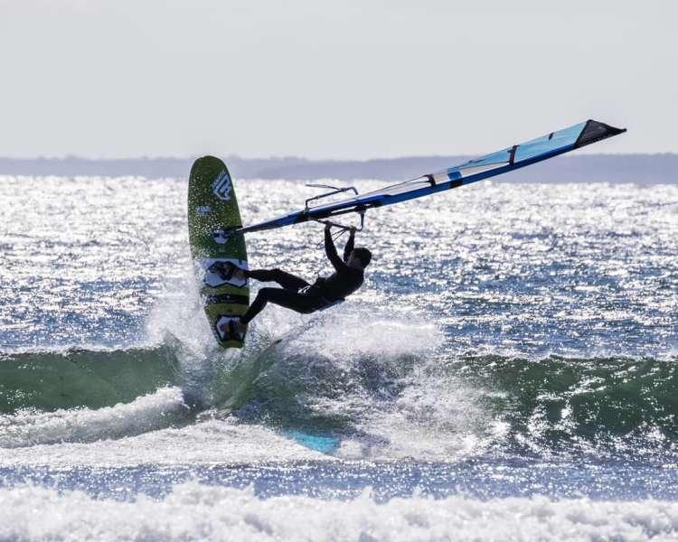 360. photography by @jebadia_petersen.......#duotone.windsurfing #duotonewindsurfingusa #fanaticwindsurf #fanaticnorthamerica #k4fins#windsurfing #rhodeisland #windsurfingnow #windsurfingtv #continentseven #superhero53 #stubby89