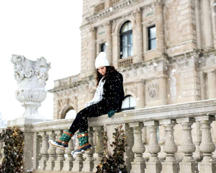 Snow_Day_at_the_Newport_Mansions_3_Copy- Winter