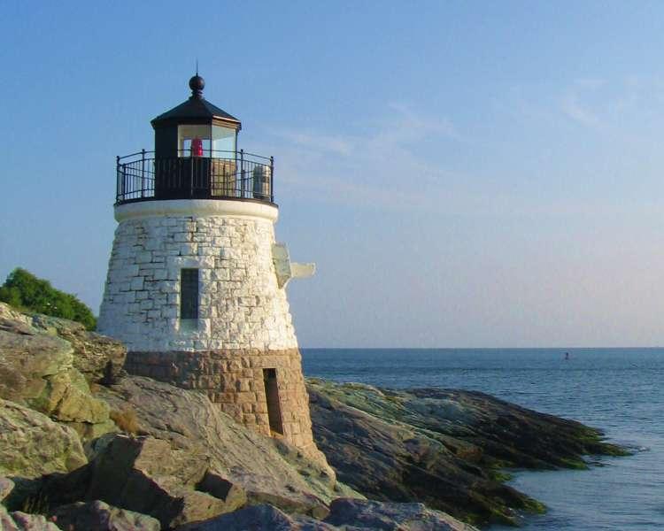 castle_hill_lighthouse_crDiscoverNewport.jpg