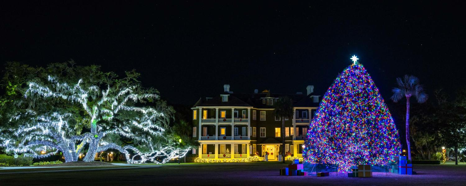 Jekyll Island S Historic District Comes Alive Each Holiday Season With Beautiful Christmas Lights
