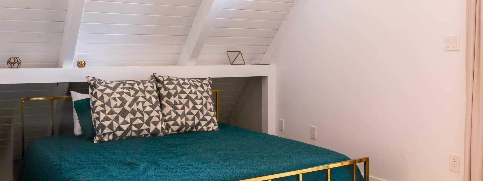 vacation rental bedroom photo