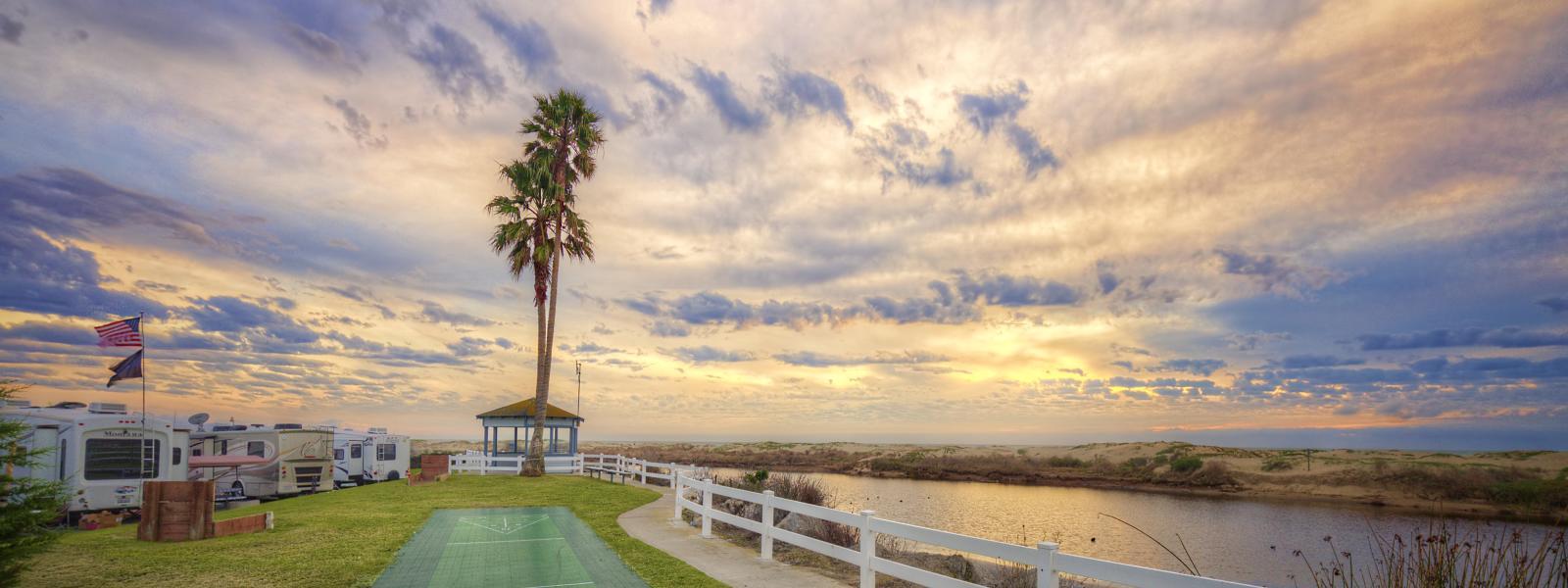 Pismo-Coast-Village_Shuffleboard-Sunset_2017